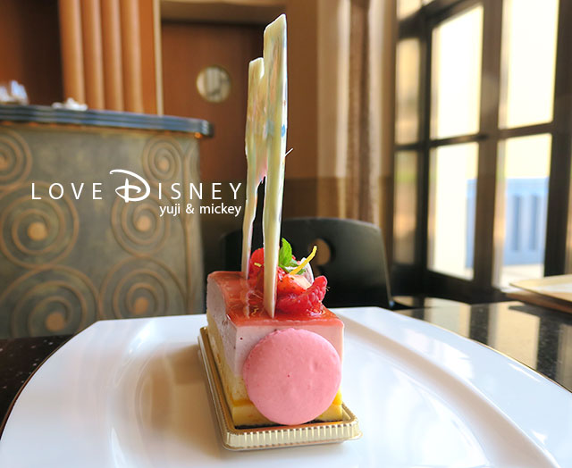 Tokyo Disney Resort 35th「Happiest Celebration!」ケーキセット(横)