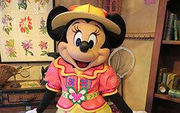 さっそくニューフェイスになったミッキーとミニーにご挨拶 in グリーティングトレイル