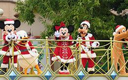 クリスマス衣装を着たミッキー達に会って来た「ミッキー&フレンズのグリーティングパレード」鑑賞レポ