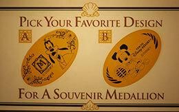 スポーツをしているミッキーデザインが登場!3つのディズニーホテル限定のスーベニアメダルを全種類紹介